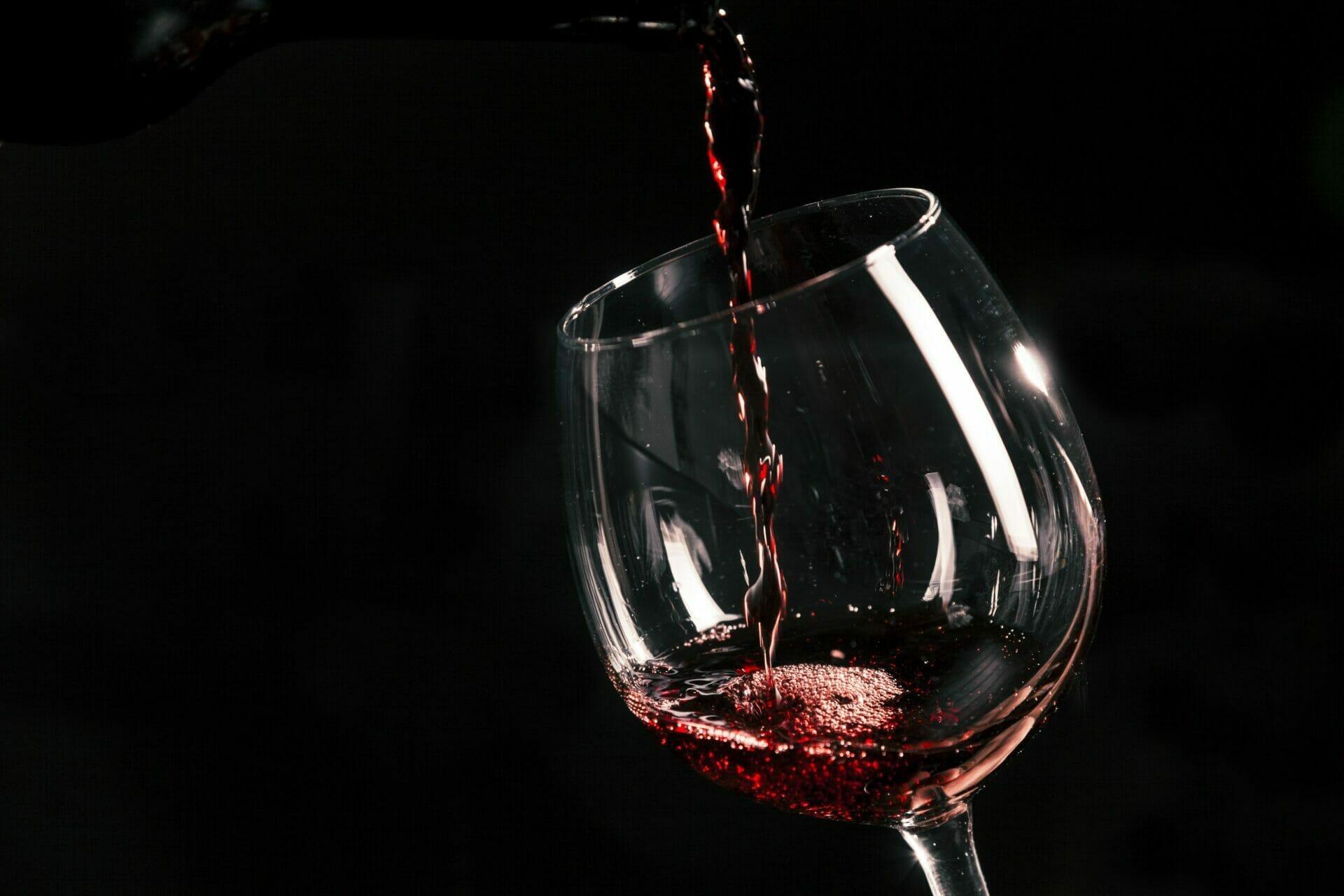 Povremena čaša vina i katarakta ili mrena - Očna poliklinika Medić Jukić Split